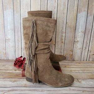 Kenneth Cole Reaction Shoes - Kenneth Cole Reaction 8 Tan Suede Fringe Boots EUC